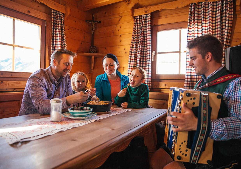 vision, familienbetrieb, familiengeschichte, nikolaus berger, familie berger, urig, ambiente, gemütlich