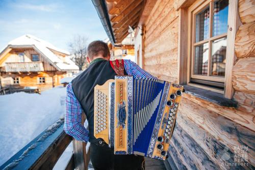 baumschlagerberg-team-huettenurlaub-winterurlaub-nostalgie-romantik