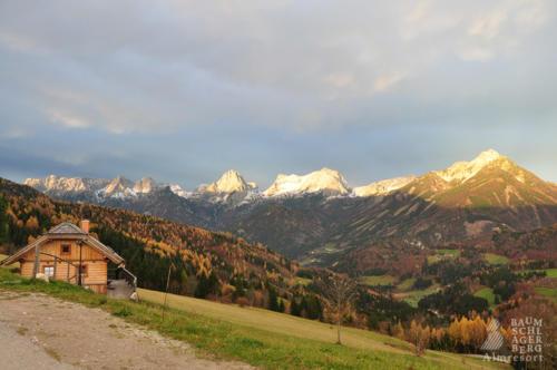 g-huetten-landschaft-baumschlagerberg-himmel-natur-gipfel-wanderung-hiking