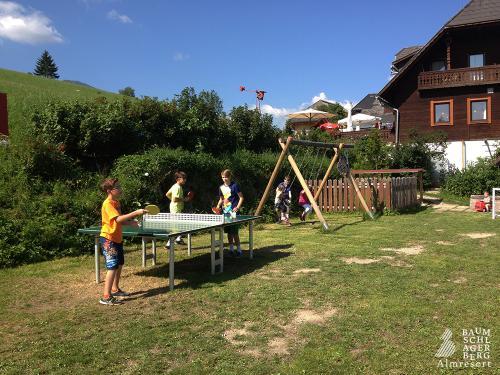 g-kinder-spielen-spass-urlaub-ferien-bauernhof-kindertraum-erholungsurlaub