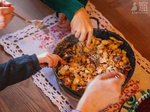 g-kulinarik-familie-gemeinsam-essen-hausmannskost
