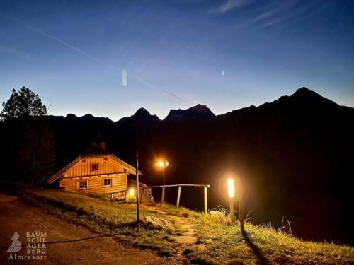 g-panoramahuette-baumschlagerberg-urlaub-berge-huette-freiheit