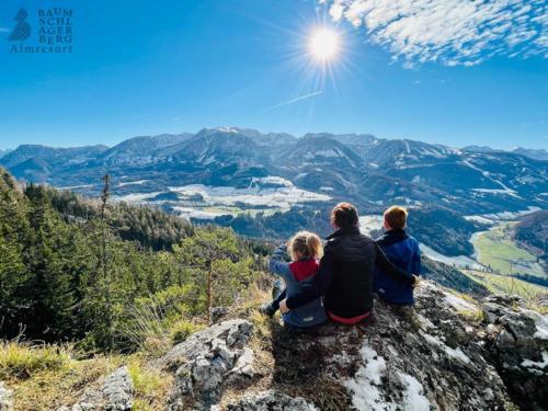 g-wandern-baumschlagerberg-berge-familie