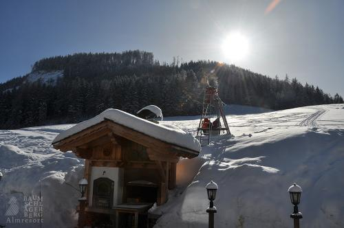 g-winter-sonnenschein-erholung-entspannung-ruhe-stille-berge-huette-einsamkeit