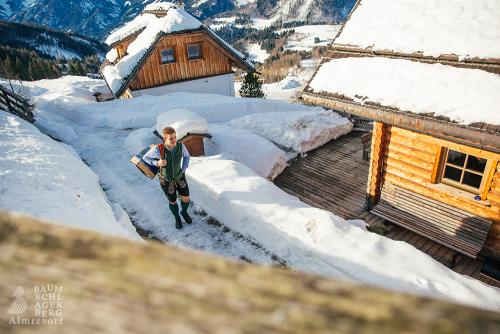 g-winter-urlaub-schnee-tradition-rustikal-huetten-gaudi-entspannung