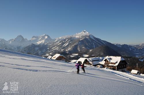 g-winterurlaub-winterferien-familienurlaub-schnee-berge-huette-haus